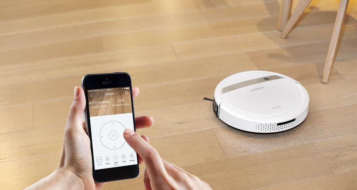 Robot hút bụi kết nối với điện thoại thông minh