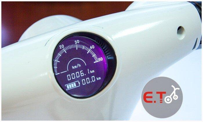 E.T có thể đạt tốc độ tối đa lên đến 50km/h