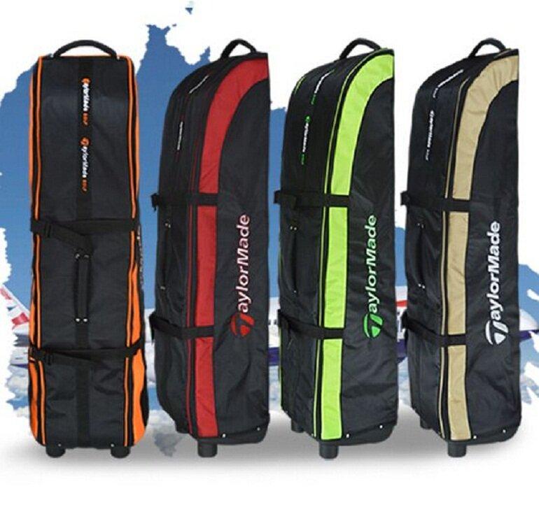 Túi golf hàng không phải trang bị hệ thống bánh xe giúp việc di chuyển khi ở sân bay dễ dàng đơn giản hơn.
