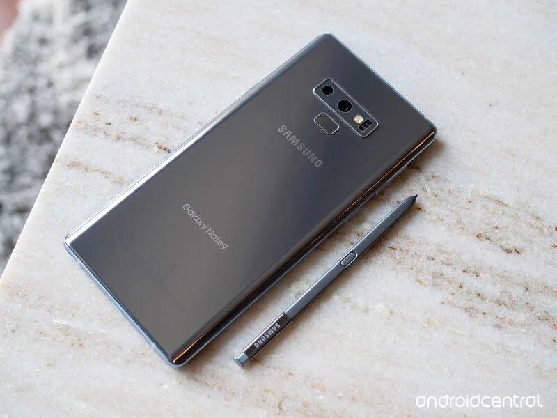 Samsung Galaxy Note có thể được kiểm tra độ chính hãng bằng cách test hình thức bên ngoài máy