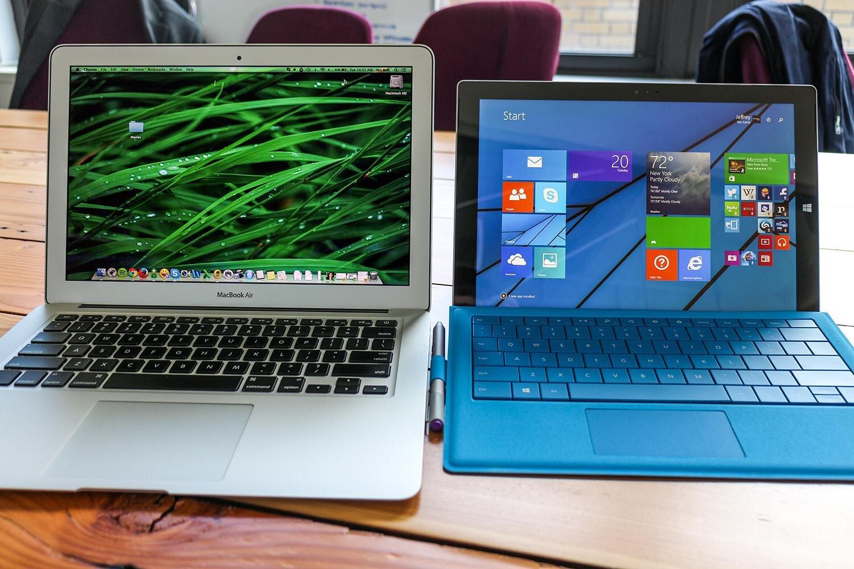 Ảnh thực tế MacBook Air và Surface Pro 3.