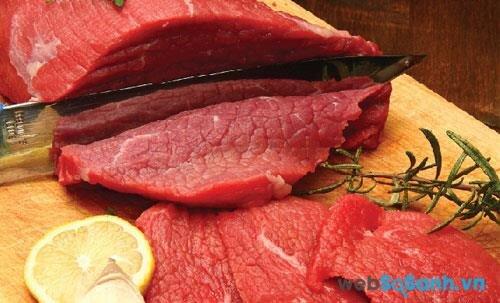 Thịt lợn, thịt bò tươi sống có thể bảo quản trong ngăn đá tủ lạnh từ 5 đến 6 tháng