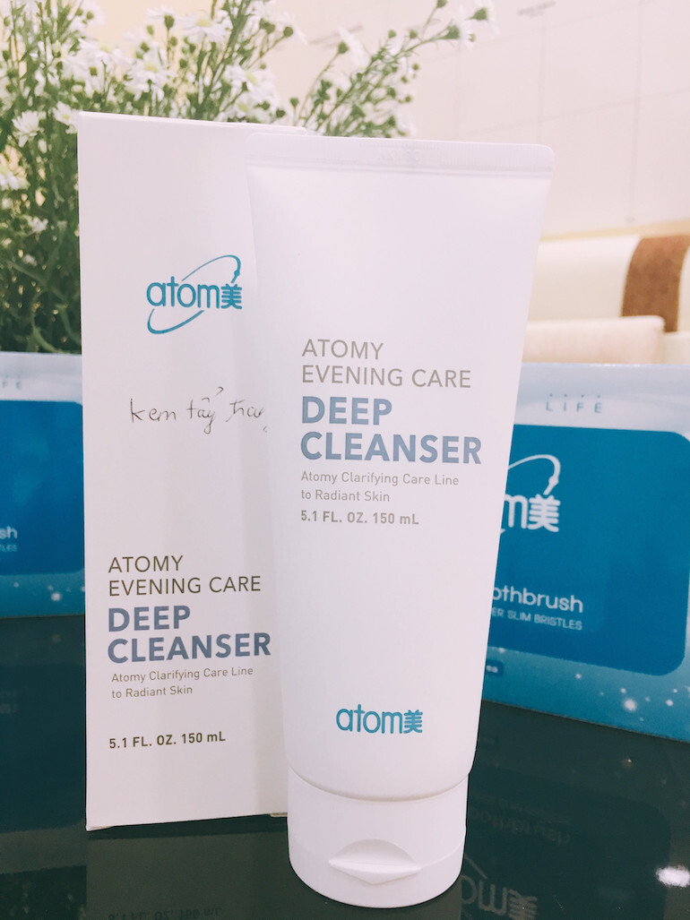 Sữa rửa mặt Evening Care Deep Cleanser tẩy trang và sạch sâu