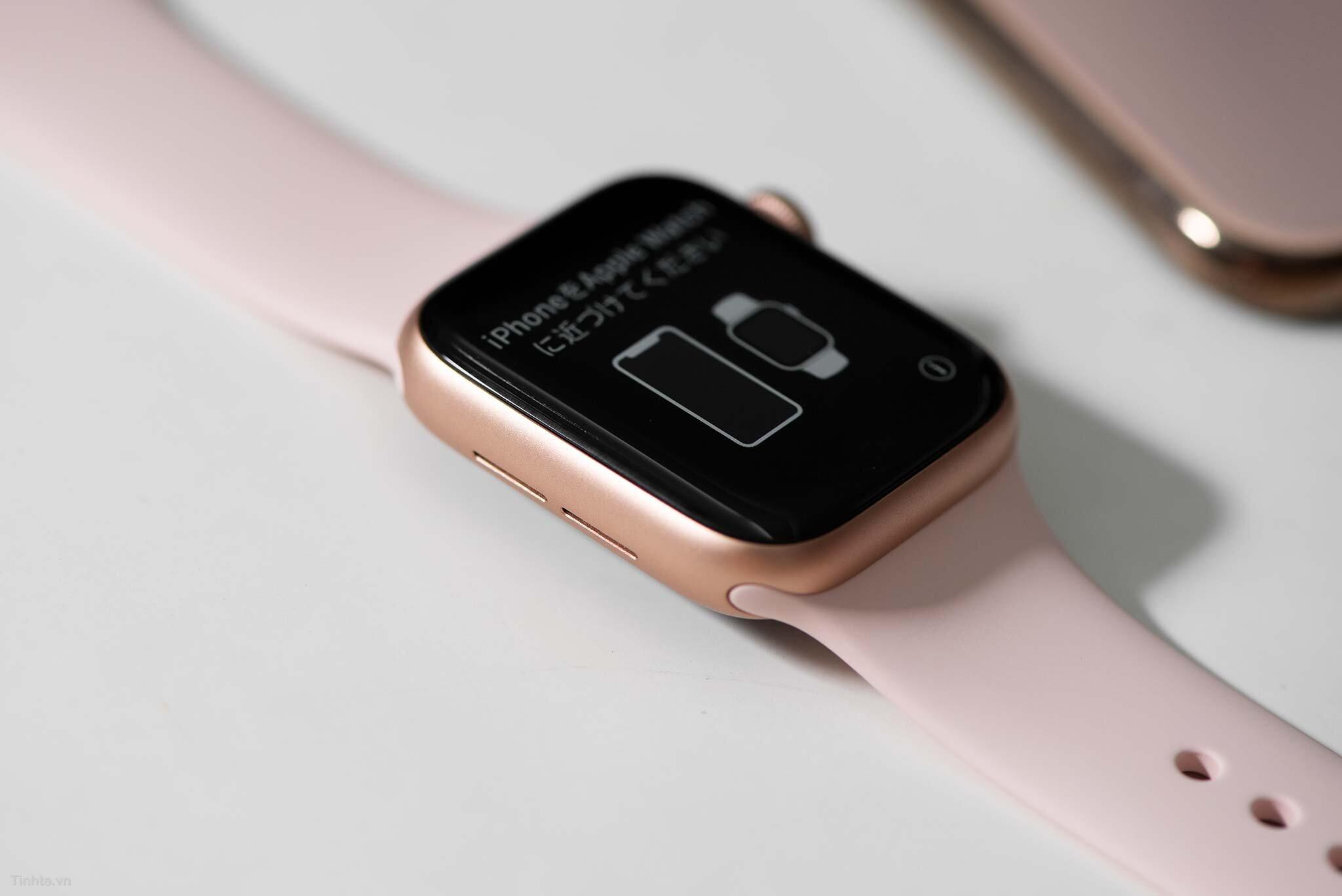 Đồng hồ Apple Watch 4 màu vàng hồng nữ tính