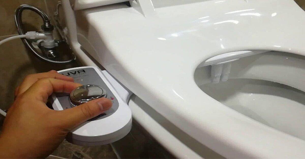 ưu nhược điểm vòi xịt rửa vệ sinh thông minh