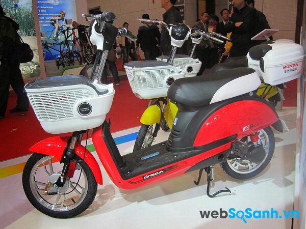 Honda A8 giống như một chiếc xe máy tay ga thu nhỏ
