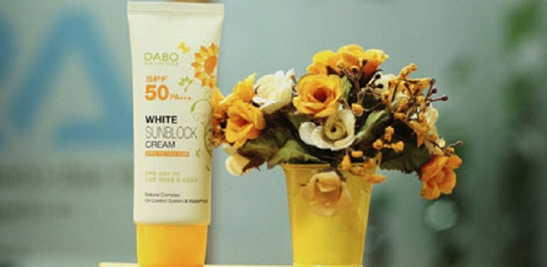 Kem chống nắng trắng Dabo White Sunblock Cream SPF50 PA+++