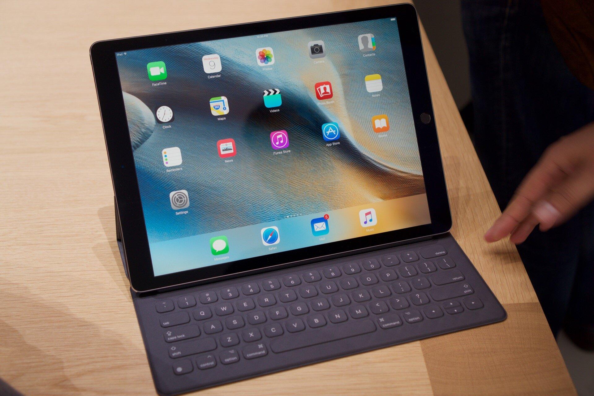Apple iPad Pro phiên bản 9.7 inch màu đen