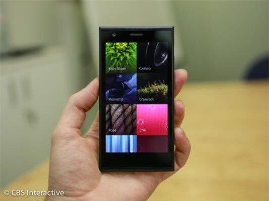 Cận cảnh smartphone đầu tiên chạy hệ điều hành Sailfish OS-image-1385800094944