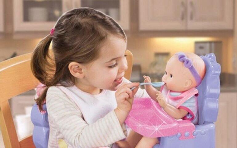 Đồ chơi búp bê giúp trẻ nâng cao nhận thức và kỹ năng của bản thân