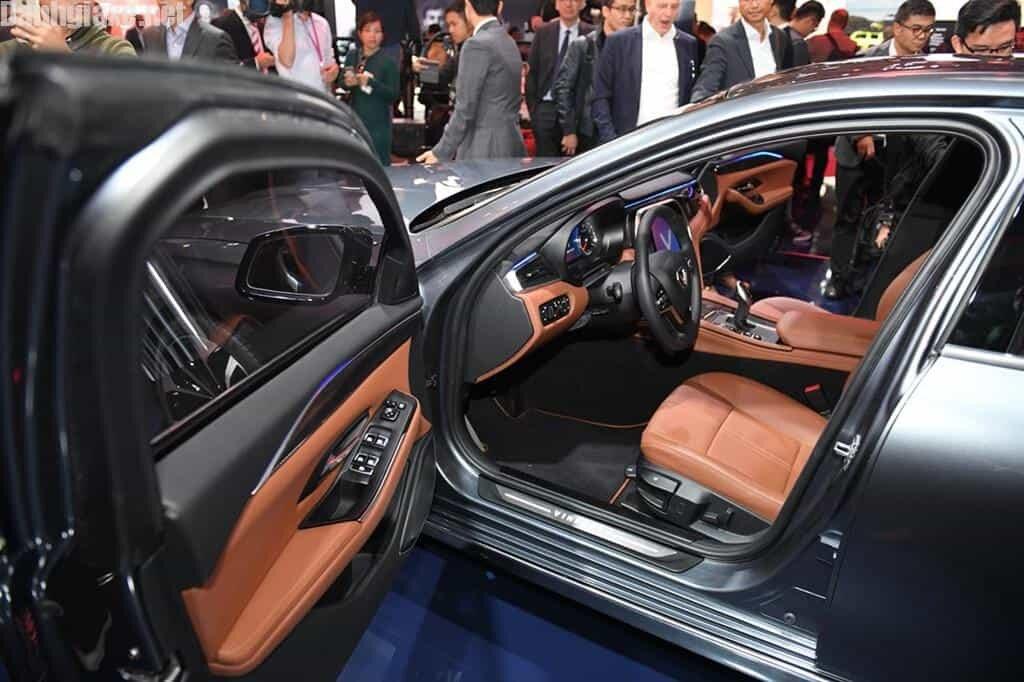 Hình ảnh xe ô tô VinFast Sedan Lux A2.0 nhìn từ bên trong