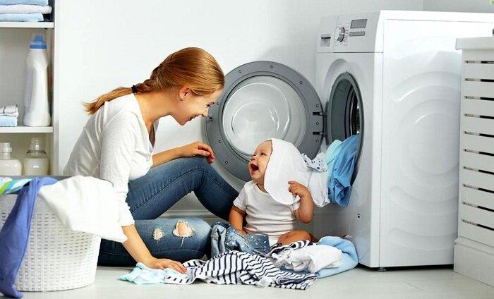 Chế độ khóa trẻ em an toàn cũng là một trong những nguyên nhân gây ra hiện tượng máy giặt bị khóa