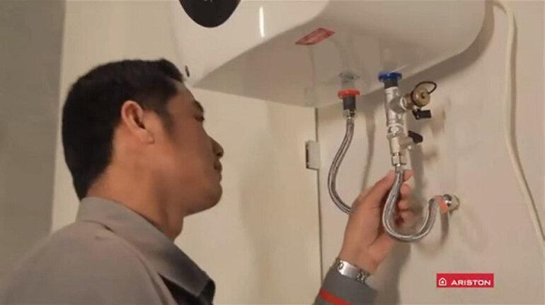 Kiểm tra và bảo dưỡng bình nóng lạnh thường xuyên