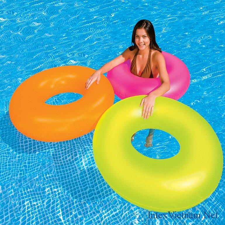 Phao bơi là thiết bị được thiết kế để sử dụng vào các mục đích bơi lội
