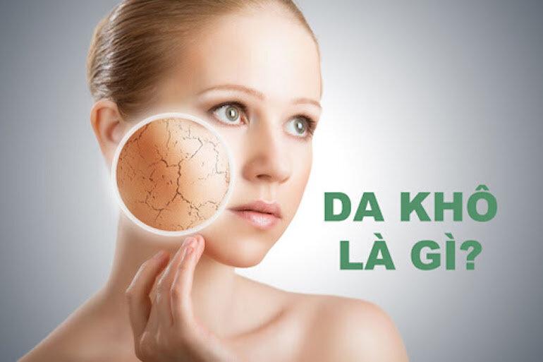 Da khô nên dùng kem dưỡng, sữa dưỡng với công thức dịu nhẹ, không kích ứng
