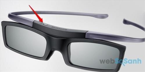 Bật nút nguồn trên kính 3D