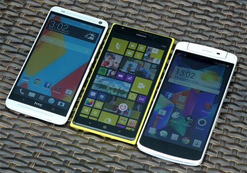 HTC-One-Max-Nokia-Lumia-1520-O-1369-1321