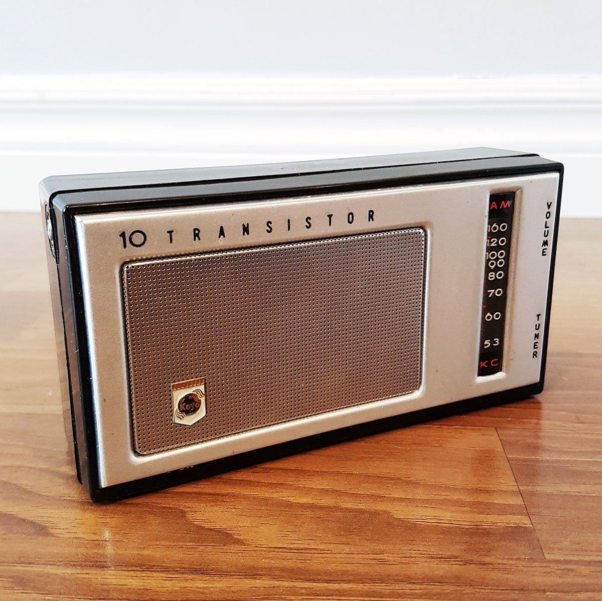 Máy Radio 10 Transistor sản xuất năm 1963 sau 55 năm vẫn hoạt động tốt