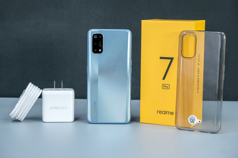 https://img.websosanh.vn/v10/users/review/images/a8w8h9mpa5oen/dien-thoai-realme-7-pro-1.jpg?compress=85