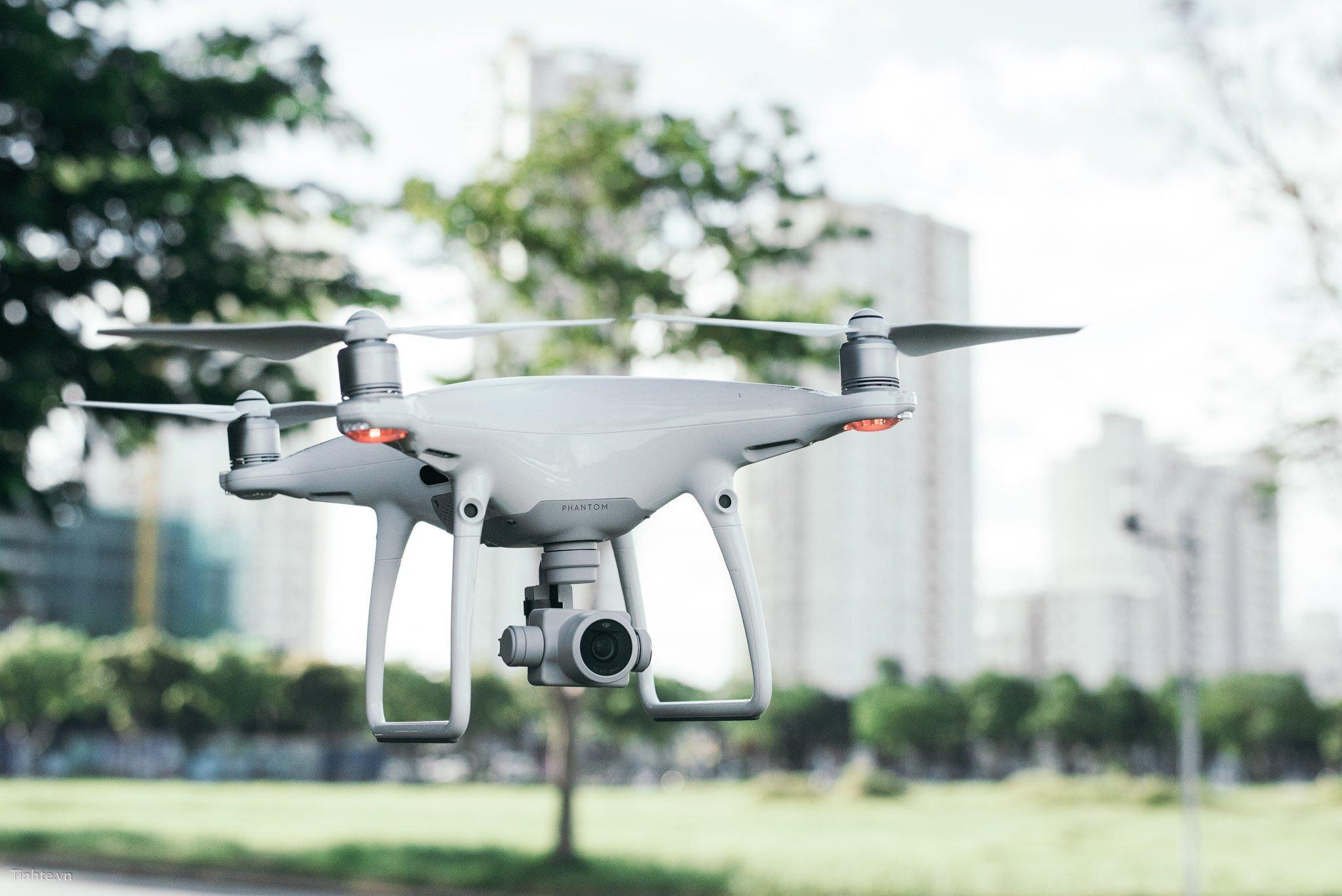 Flycam được tích hợp hệ thống cảm biến cần bằng 6 chiều