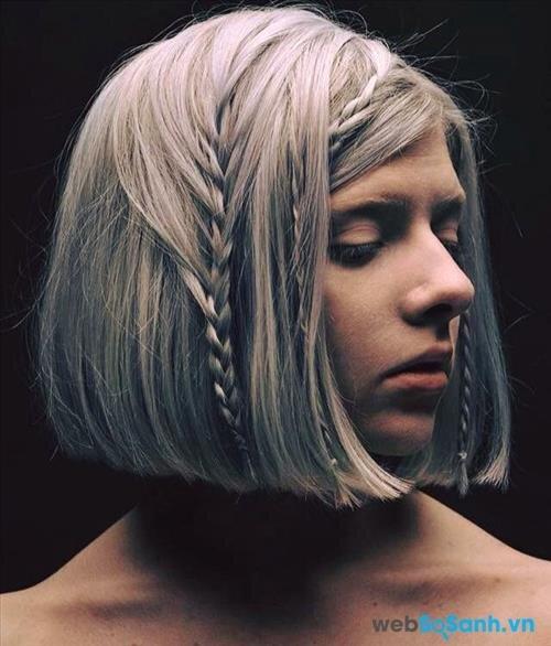 Nếu bạn là cô nàng có mái tóc bob cá tính thì có thể thêm một chút phá cách nữa với vài đường tóc tết đơn giản ,,, như cô nàng này chẳng hạn!