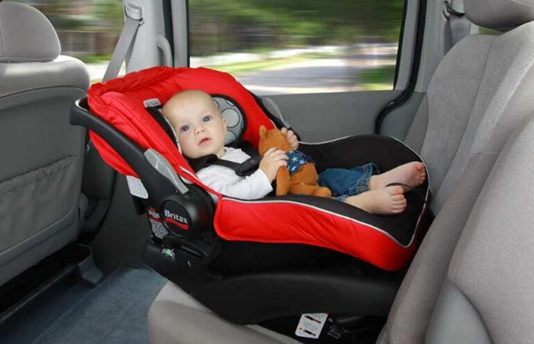 Ghế ngồi ô tô cho bé là gì ? Có cần thiết phải mua không ?