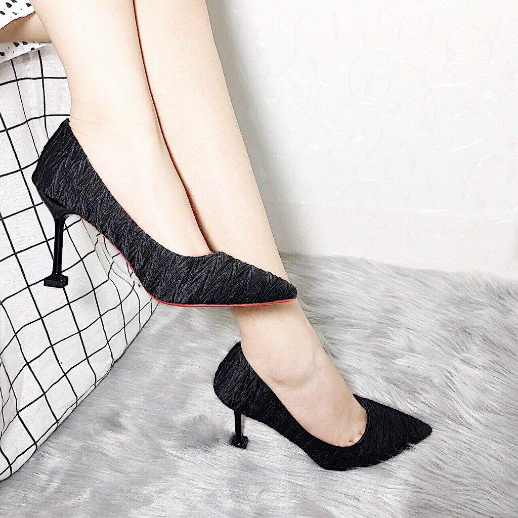 Cách phối đồ với giày cao gót phù hợp sẽ khiến bạn trở nên thanh lịch và cuốn hút hơn