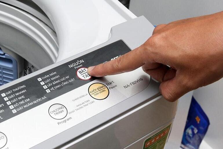 Bật/tắt máy giặt Panasonic thông thường