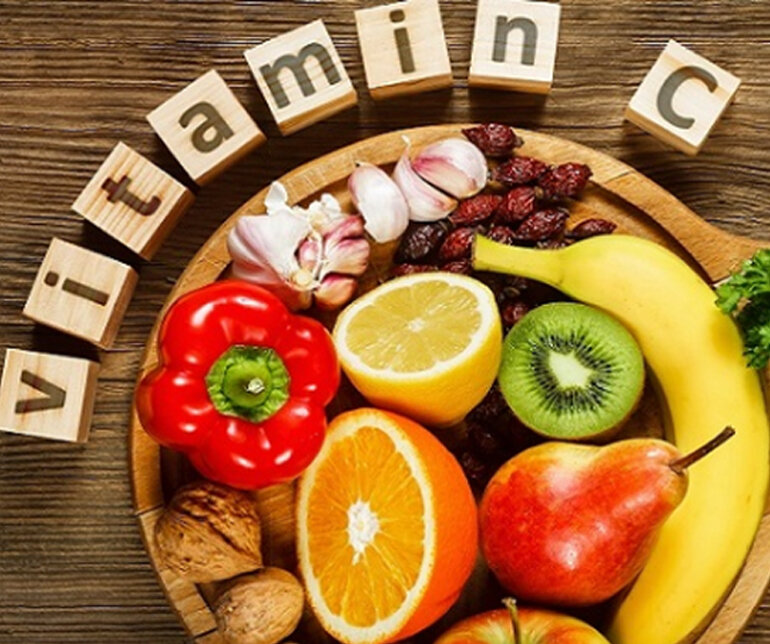 Bổ sung thêm các nhóm thực phẩm giàu vitamin C vào trong bữa ăn hàng ngày