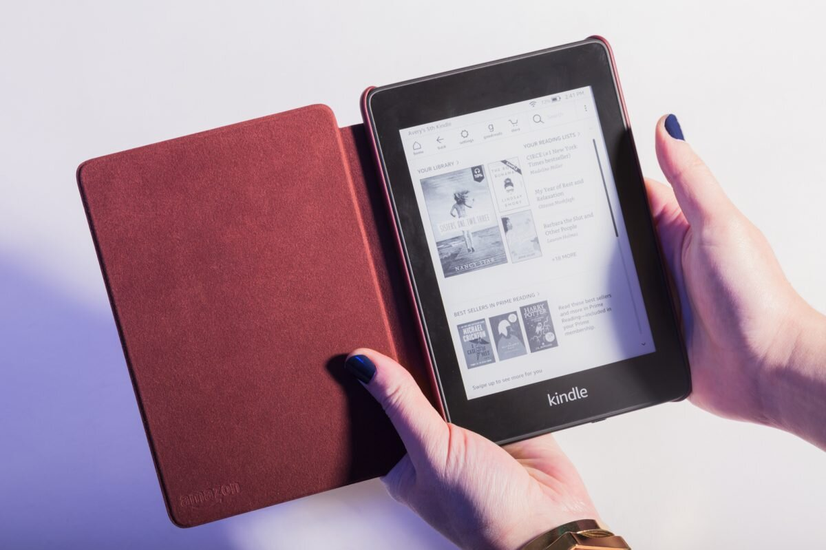 Cách sử dụng máy đọc sách Kindle Amazon rất đơn giản và tiện lợi