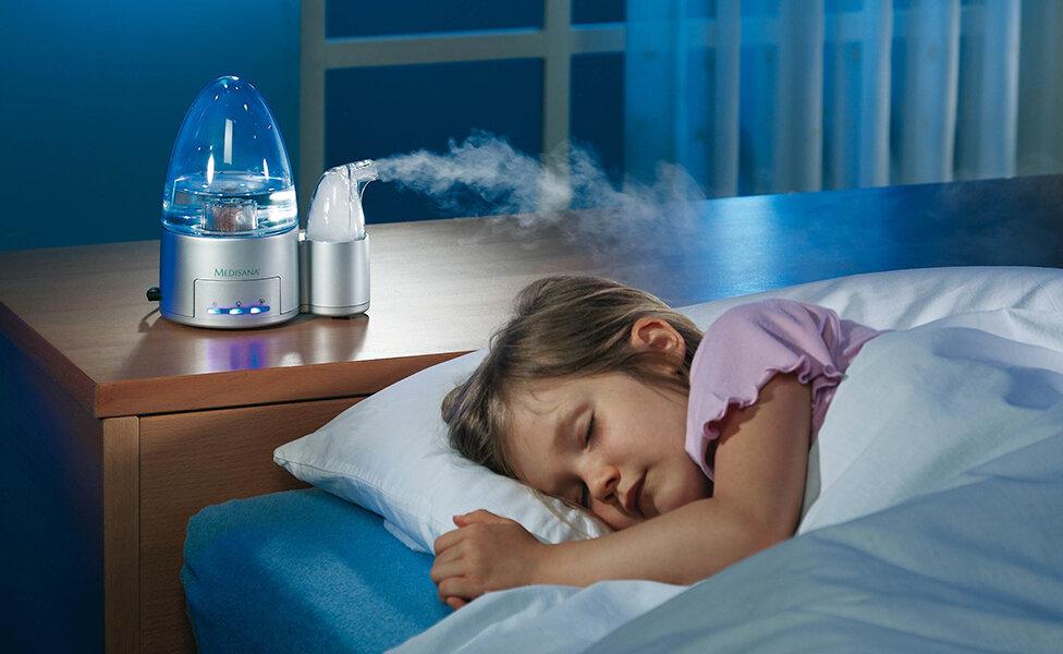 Sử dụng quạt phun sương hoặc máy tạo ẩm