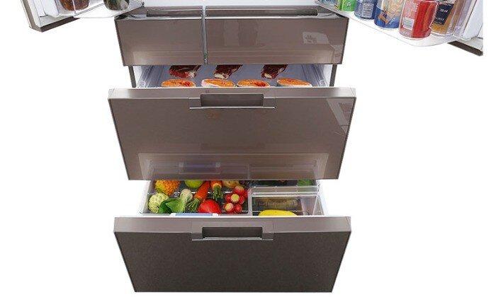 Tủ có ngăn chứa rộng và tiện lợi
