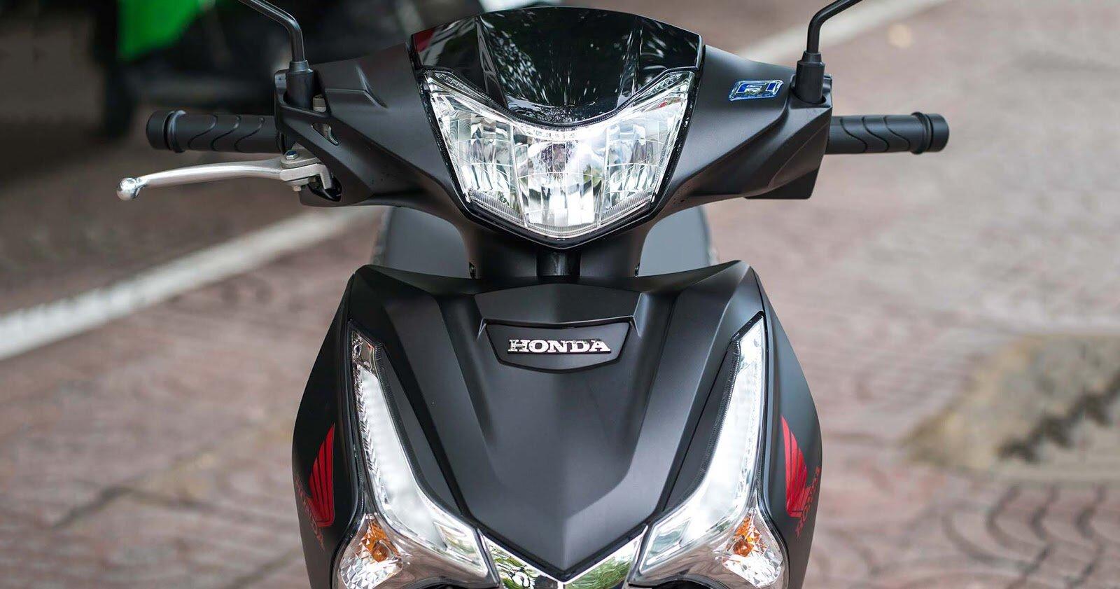 Honda Future 2019 phiên bản cao cấp phanh đĩa, vành đúc đen đỏ phóng khoáng.