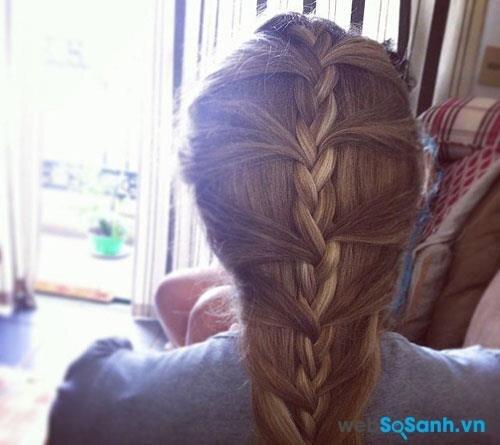 Kiểu tóc tết này có lẽ là khá quen thuộc với nhiều cô gái Việt Nam!