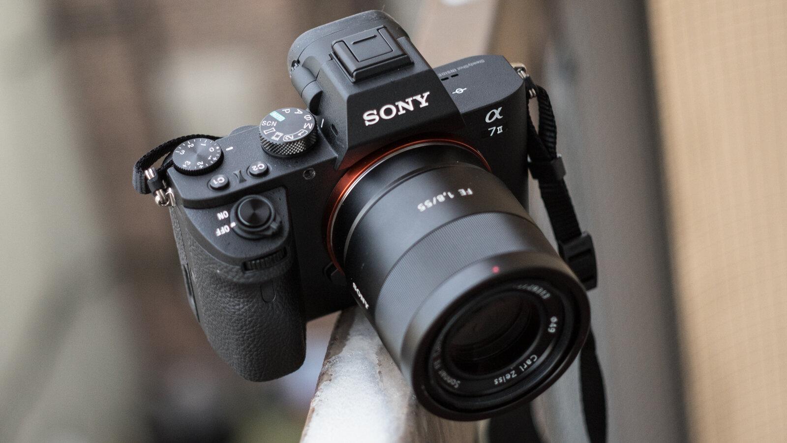 Review Sony A7 Mark II về kiểu dáng và thiết kế