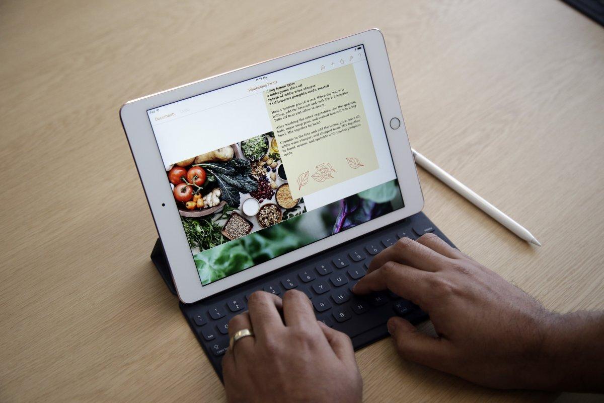 Laptop kết hợp máy tính bảng
