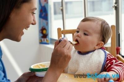 Yến mạch là món đầu tiên bạn nên cho trẻ thử