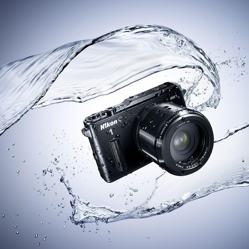 Nikon AW1 với khả năng chống nước hiện đại