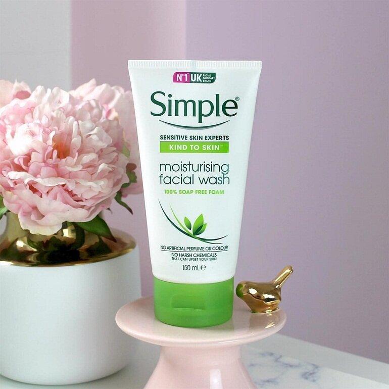 Review sữa rửa mặt Simple Moisturising Facial Wash có rốt không?