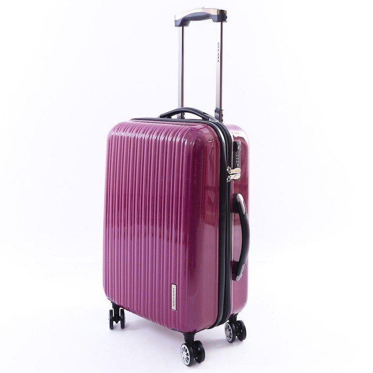 Vali được làm từ chất liệu nhựa nên khó gập
