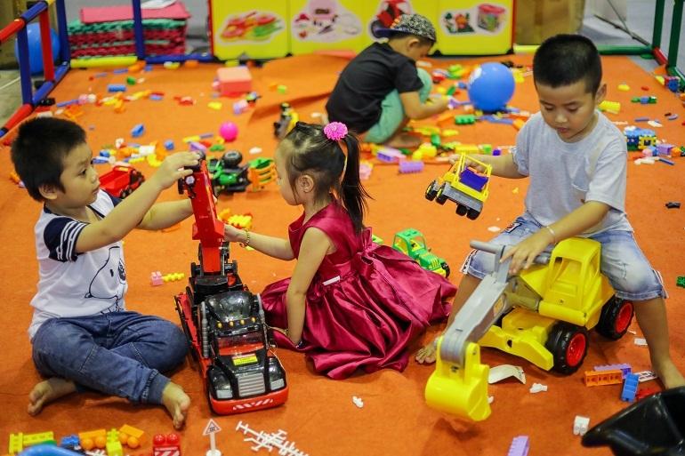 Đồ chơi cho bé rất đa dạng và phong phú