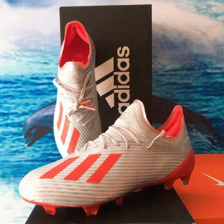 Giày đá banh Adidas chính hãng