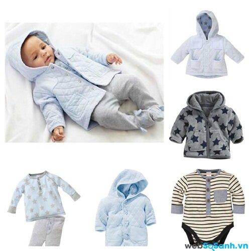 Chọn quần áo theo trọng lượng bé