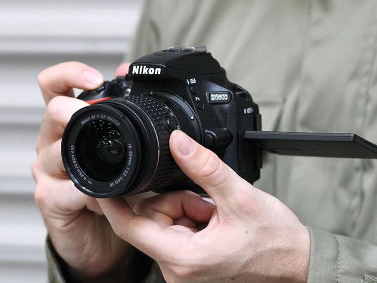 Test ống kính máy ảnh cũ