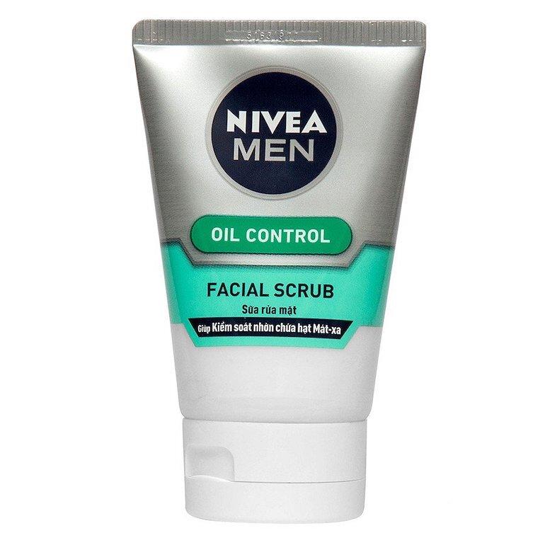 Sữa rửa mặt Nivea Men Oil Control Facial Scrub