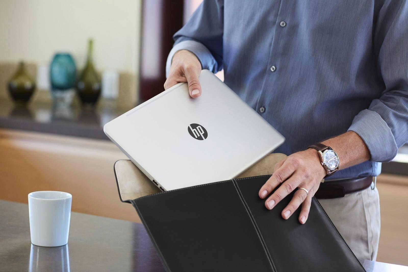 Laptop HP Envy 13 được làm từ hợp kim nhôm, tạo nên vẻ ngoài sang trọng, đẳng cấp