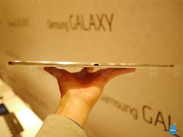 """Samsung chính thức """"nổ súng"""" phân khúc tablet 12,2 inch 4"""