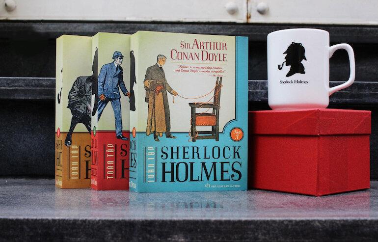 """Sherlock Holmes được yêu thích đến mức tác giả Conan Doyle bị người hâm mộ phẫn nộ và """"đe dọa"""" khi ông """"kết liễu"""" cuộc đời của Holmes trong truyện ngắn Vấn đề cuối cùng."""