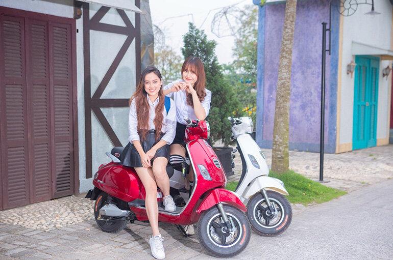 Xe máy điện Vespa Dbao Pansy vành đúc nguyên khối