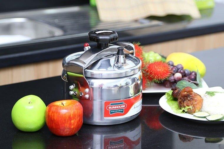 Nồi áp suất của Sunhouse chất lượng tốt nấu món ngon đậm vị hơn
